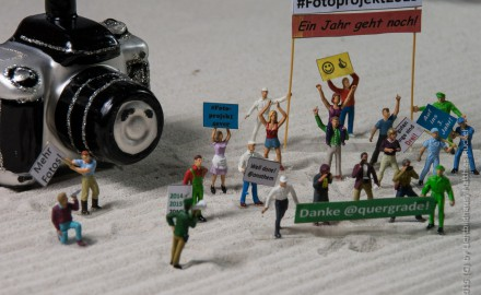 Die Demo fand gestern am Denkmal des Fotoapparates statt.